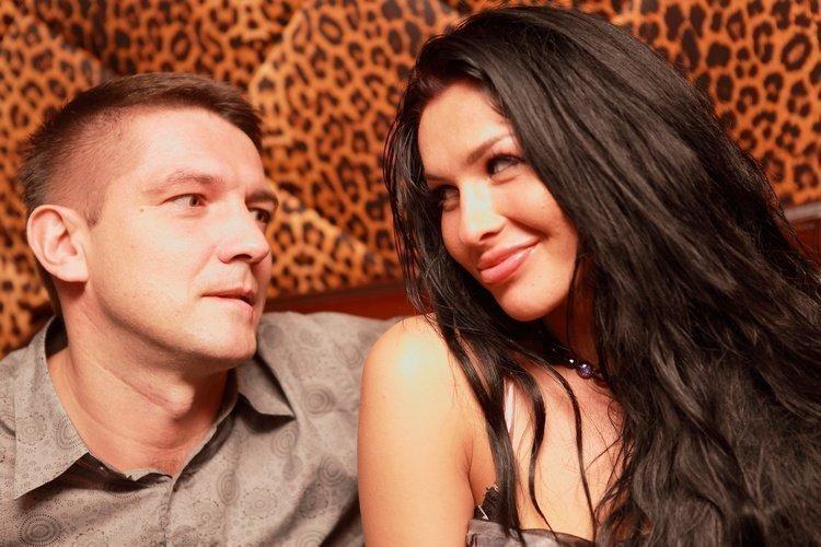 Отец и дочь, отец ебет дочь - Смотреть порно видео онлайн